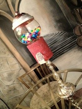 Create a Bubble Gum Machine .  Free tutorial with pictures on how to make an office accessory in under 120 minutes using paint can, spray paint, and glass fish bowl. How To posted by BarryBelcher.  in the Home + DIY section Difficulty: Easy. Cost: Absolutley free. Steps: 1