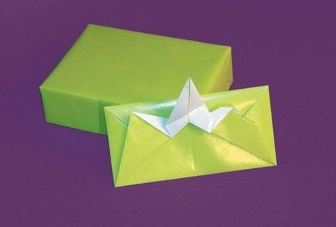 Trash Origami .  Free tutorial with pictures on how to make an envelope in under 20 minutes by papercrafting and paper folding with paper. Inspired by birds. How To posted by Tuttle Publishing.  in the Papercraft section Difficulty: Simple. Cost: No cost. Steps: 17