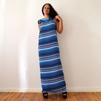 DIY no sew MAXI DRESS in 5 minutes .  Free tutorial with pictures on how to sew a maxi dress in under 5 minutes by sewing and dressmaking with fabric. How To posted by DIY MODE.  in the Sewing section Difficulty: Easy. Cost: Absolutley free. Steps: 1