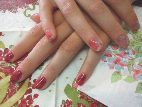 Nail Art Projects .  Free tutorial with pictures on how to paint a magazine / newspaper nail in under 15 minutes by nail painting with base coat, napkin, and nail scissors. How To posted by Arcturus Publishing.  in the Beauty section Difficulty: Simple. Cost: Cheap. Steps: 5
