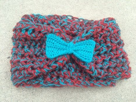 Work with 3 Colors at once .  Free tutorial with pictures on how to make a circle scarf in under 90 minutes by crocheting with yarn, crochet hook, and needle. How To posted by Princess Pam-attitude .  in the Yarncraft section Difficulty: Easy. Cost: 3/5. Steps: 3