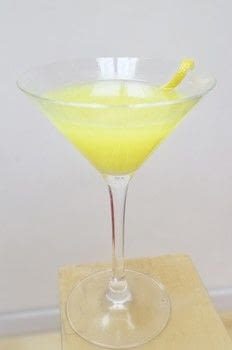 A sweet shop inspired lemon drop martini .  Free tutorial with pictures on how to mix a lemon martini in under 5 minutes by mixing drinks with limoncello, vermouth, and lemon. Recipe posted by Cat Morley.  in the Recipes section Difficulty: Simple. Cost: Cheap. Steps: 5