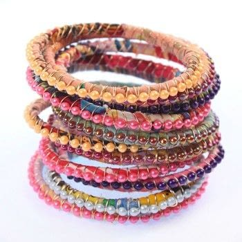 Make bracelets to fit any size wrist and hand! .  Free tutorial with pictures on how to make a beaded bracelet in 1 step by beading and wireworking with wire, strips, and zip ties. How To posted by Mark Montano.  in the Jewelry section Difficulty: Easy. Cost: Cheap.