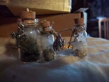 Plant terraiums .  Free tutorial with pictures on how to make a terrarium in under 60 minutes using vial. How To posted by Annap72.  in the Other section Difficulty: Easy. Cost: 3/5. Steps: 3