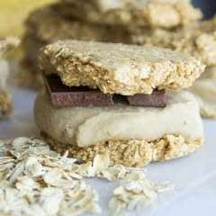 "Raw Vegan Banana ""Nice"" Cream Sandwiches"