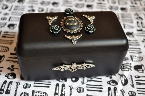 Things you can do with Rocchero box and acrylic paint spray :D .  Make a jewelry box in under 30 minutes using spray paint, candy, and decoration. Inspired by halloween, gothic, and bats. Creation posted by CountessAudronasha.  in the Home + DIY section Difficulty: Easy. Cost: Absolutley free.