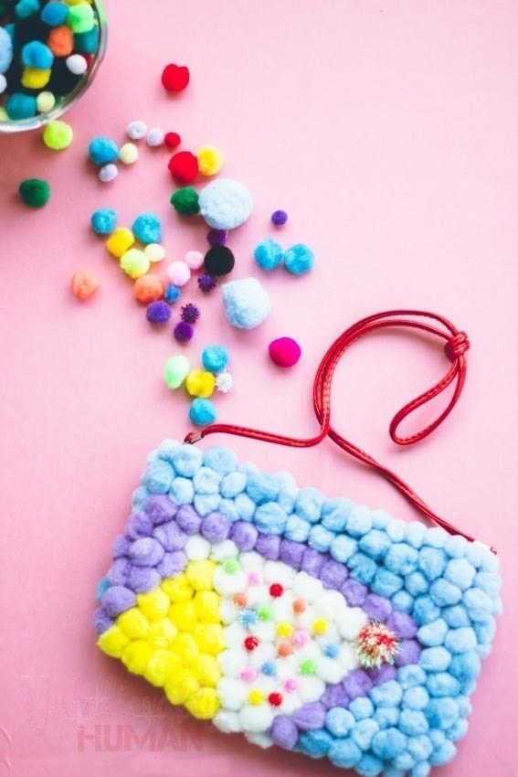 A quick Fun Way to make any old purse new . Free tutorial with pictures on