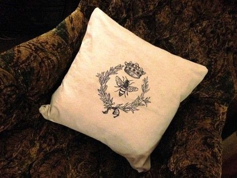 Make a Throw Pillow without Sewing a Stitch!  .  Free tutorial with pictures on how to make a stitched cushion in under 60 minutes by decorating with zipper, iron, and drop cloth. How To posted by BarryBelcher.  in the Home + DIY section Difficulty: Easy. Cost: Absolutley free. Steps: 6
