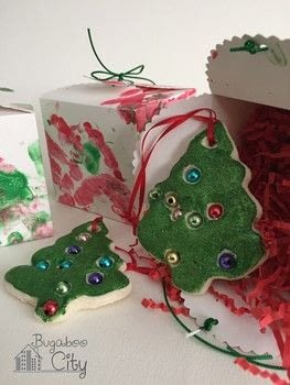 The perfect Holiday gift from your toddler! .  Free tutorial with pictures on how to make an ornament in 7 steps by decorating with salt dough, straw, and cookie cutter. How To posted by Kimberly.  in the Other section Difficulty: Simple. Cost: Cheap.