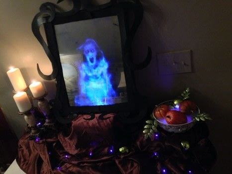 Create a Realistic Ghost Apparition in a Mirror!  .  Free tutorial with pictures on how to make a Halloween decoration in under 60 minutes using mirror paint, frame, and laptop. How To posted by BarryBelcher.  in the Decorating section Difficulty: Easy. Cost: Cheap. Steps: 9