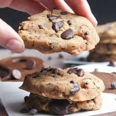 Healthy Gluten Free Chocolate Chip Cookies