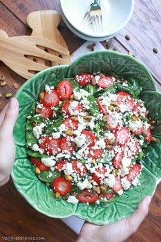 .  Free tutorial with pictures on how to make a strawberry salad in under 10 minutes by cooking with baby spinach, strawberries, and feta cheese. Recipe posted by Lindsay G.  in the Recipes section Difficulty: Easy. Cost: Absolutley free. Steps: 1