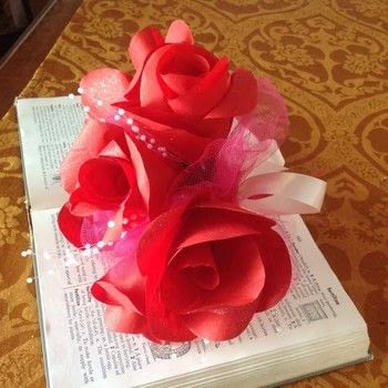 .  Make a paper brooch in under 15 minutes Inspired by roses. Version posted by Karen H. Difficulty: Easy. Cost: 3/5.
