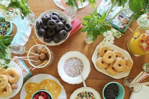Learn how to make painted doughnut skewers  .  Free tutorial with pictures on how to make a party planning in under 5 minutes using skewer, painter's tape, and paints. How To posted by Suzie S.  in the Decorating section Difficulty: Easy. Cost: Absolutley free. Steps: 3