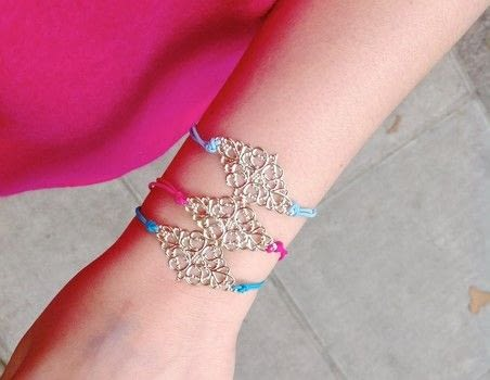 #whereDIYmeetstherunway .  Free tutorial with pictures on how to make a filigree bracelet in under 2 minutes by jewelrymaking with filigree and elastic thread. How To posted by Zen Z.  in the Jewelry section Difficulty: Easy. Cost: No cost. Steps: 2