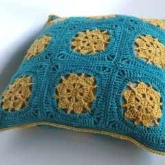 Bask Cushion Cover Using Indie Yarn Store Superwash Merino Yarn