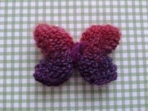 Easy 3D knitted butterfly .  Free tutorial with pictures on how to make a butterfly plushie in under 60 minutes by knitting with dk yarn, knitting needle, and darning needle. How To posted by Buttons and Pickles.  in the Yarncraft section Difficulty: Easy. Cost: No cost. Steps: 7