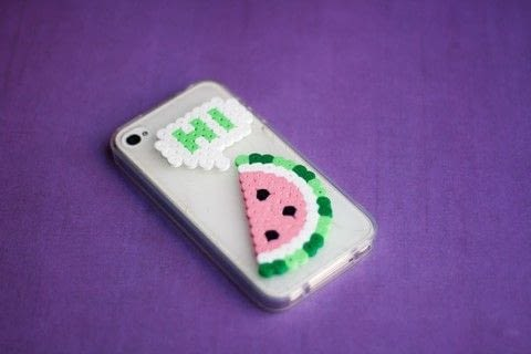 A quick way to decorate your phone case .  Free tutorial with pictures on how to make a bejewelled case in under 120 minutes by beading and pegboarding with beads, toothpick, and hot glue gun. Inspired by fruit. How To posted by Marysia T.  in the Decorating section Difficulty: Simple. Cost: Absolutley free. Steps: 5