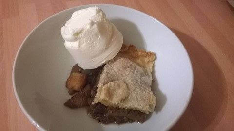 .  Free tutorial with pictures on how to bake an apple pie in under 40 minutes by cooking and baking with apples, brown sugar, and cinnamon. Recipe posted by Super Madcow.  in the Recipes section Difficulty: Easy. Cost: Cheap. Steps: 10