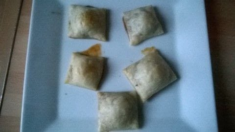 .  Free tutorial with pictures on how to bake a pastry in under 20 minutes by cooking and baking with short crust pastry and rolos. Recipe posted by Super Madcow.  in the Recipes section Difficulty: Easy. Cost: Cheap. Steps: 6