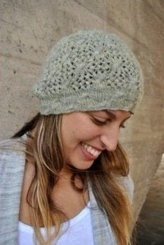 .  Free tutorial with pictures on how to make a beanie in 2 steps by knitting with yarn, loop, and size. How To posted by Paula PKL.  in the Yarncraft section Difficulty: Simple. Cost: Absolutley free.