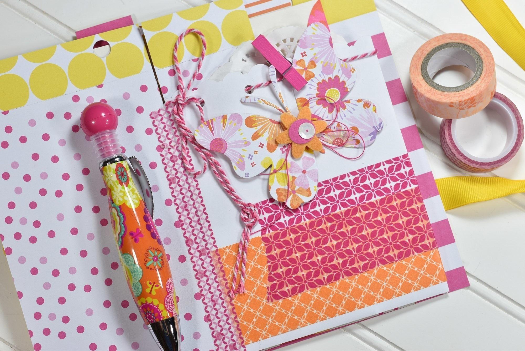 Washi tape bound journal how to decorate an altered - Como hacer un album de fotos ...