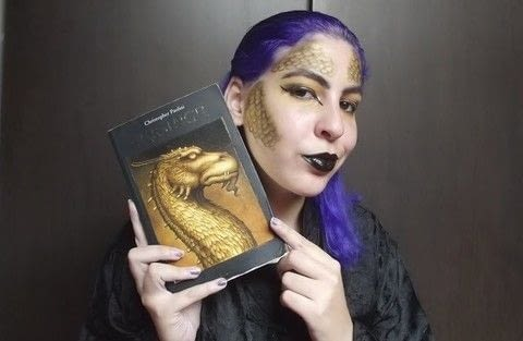 Dragon Makeup .  Free tutorial with pictures on how to create a face painting in under 40 minutes by applying makeup with lipstick, eyeshadow primer, and liquid eyeliner. Inspired by halloween. How To posted by Fersenpai.  in the Beauty section Difficulty: Simple. Cost: No cost. Steps: 1