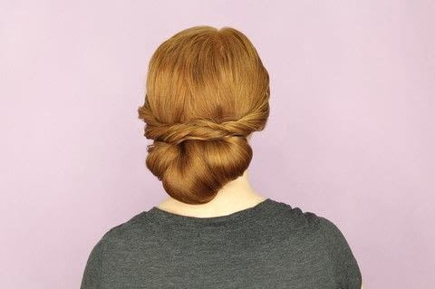 DIY Updos, Knots, and Twists .  Free tutorial with pictures on how to style a chignon in under 10 minutes by hairstyling with wide tooth comb, clips, and hairspray. How To posted by FW Media.  in the Beauty section Difficulty: Simple. Cost: No cost. Steps: 12