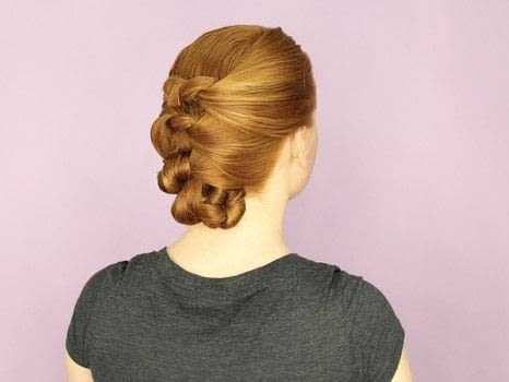 DIY Updos, Knots, and Twists .  Free tutorial with pictures on how to style an updo hairstyle in under 10 minutes by hairstyling with wide tooth comb, elastic band, and bobby pin. How To posted by FW Media.  in the Beauty section Difficulty: Simple. Cost: No cost. Steps: 6