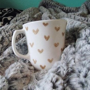 Make mugs for all of your friends! .  Free tutorial with pictures on how to make a cup / mug in under 15 minutes using nail polish and mugs. How To posted by Cheryl .  in the Decorating section Difficulty: Simple. Cost: Absolutley free. Steps: 1