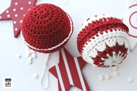 Christmas ornaments .  Free tutorial with pictures on how to make a toy ball in under 40 minutes by crocheting with cotton yarn and ball. Inspired by christmas. How To posted by Nela T.  in the Yarncraft section Difficulty: Simple. Cost: Absolutley free. Steps: 8