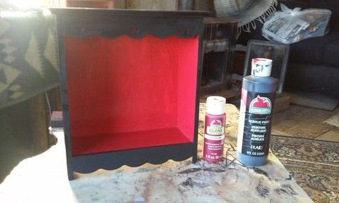 Jewelry box, black, red,  .  Free tutorial with pictures on how to make a jewelry display in under 10 minutes by decorating with box, paintbrush, and painters tape. How To posted by mel M.  in the Decorating section Difficulty: Easy. Cost: Absolutley free. Steps: 2