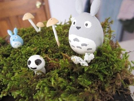 A whimsical trinket box with totoros and kodamas .  Make an embellished box in under 120 minutes using wooden box, paper clay, and moss. Creation posted by .  in the Other section Difficulty: 3/5. Cost: 3/5.