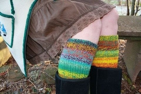 These super fun and funky legwarmers look great in handspun yarn.  .  Free tutorial with pictures on how to make legwarmers in 1 step by knitting with worsted weight yarn, tapestry needle, and needles. How To posted by Sand And Sky Creations.  in the Yarncraft section Difficulty: Easy. Cost: 3/5.