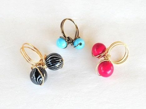 .  Make a wire ring in under 10 minutes Version posted by Lisa B. Difficulty: Simple. Cost: Cheap.