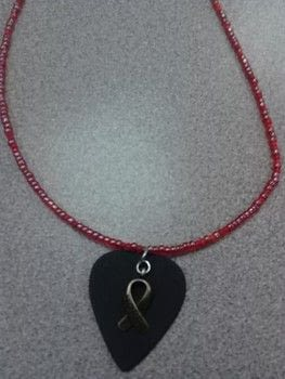 Rock on! .  Make a single-strand bead necklace in under 15 minutes using plectrum, jewelry wire, and beads. Creation posted by Ashley P.  in the Jewelry section Difficulty: Simple. Cost: Cheap.