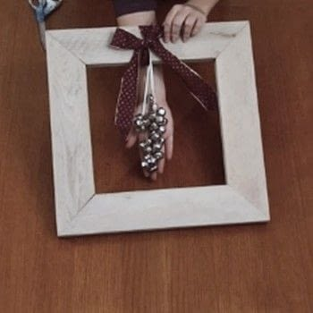 Dress up one frame three ways for the holidays .  Free tutorial with pictures on how to make a recycled photo frame in under 60 minutes using scissors, glue gun, and twine. How To posted by Danielle V.  in the Decorating section Difficulty: Easy. Cost: Absolutley free. Steps: 12