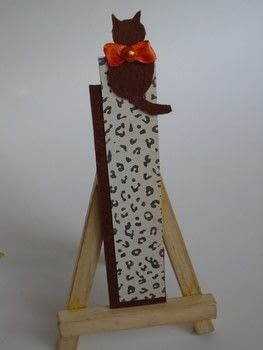 Feline felt bookmark .  Free tutorial with pictures on how to make a fabric bookmark in under 60 minutes by papercrafting and cardmaking How To posted by Hira osman.  in the Papercraft section Difficulty: Easy. Cost: Cheap. Steps: 4