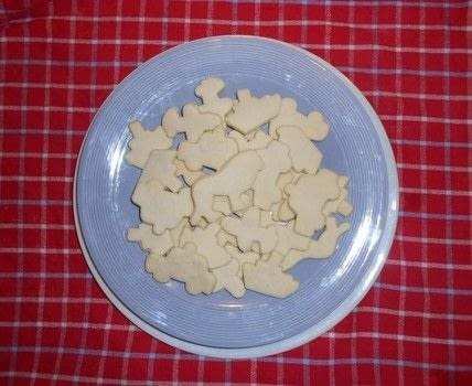 Add some delicious cookies to your tea party .  Free tutorial with pictures on how to bake a cookie in 8 steps by cooking and baking with flower, cornstarch, and butter. Inspired by belgian. Recipe posted by Mnemosyn.  in the Recipes section Difficulty: Easy. Cost: Absolutley free.