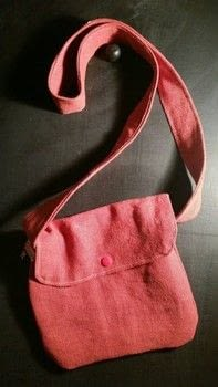 Small messenger bag  .  Make a shoulder bag in under 120 minutes by hand sewing and machine sewing with linen, cotton cloth, and press stud. Creation posted by LoupLou.  in the Sewing section Difficulty: 3/5. Cost: Cheap.