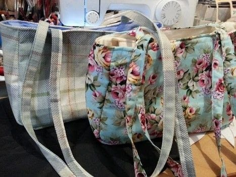 Customised bags to your friends .  Make a handbag in under 60 minutes by hand sewing and machine sewing with cotton fabric, cotton fabric, and zipper. Creation posted by LoupLou.  in the Sewing section Difficulty: 4/5. Cost: 3/5.