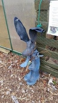 Having fun with wellies .  Make a garden decoration in under 120 minutes by woodworking and  with boots, wood, and screws. Creation posted by LoupLou.  in the Home + DIY section Difficulty: 3/5. Cost: Absolutley free.
