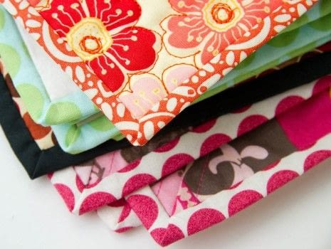 Learn to bind quilts with mitered corners and all!  .  Free tutorial with pictures on how to sew a binding in under 120 minutes by sewing with sewing machine. How To posted by Cynthia S.  in the Sewing section Difficulty: Simple. Cost: 3/5. Steps: 12