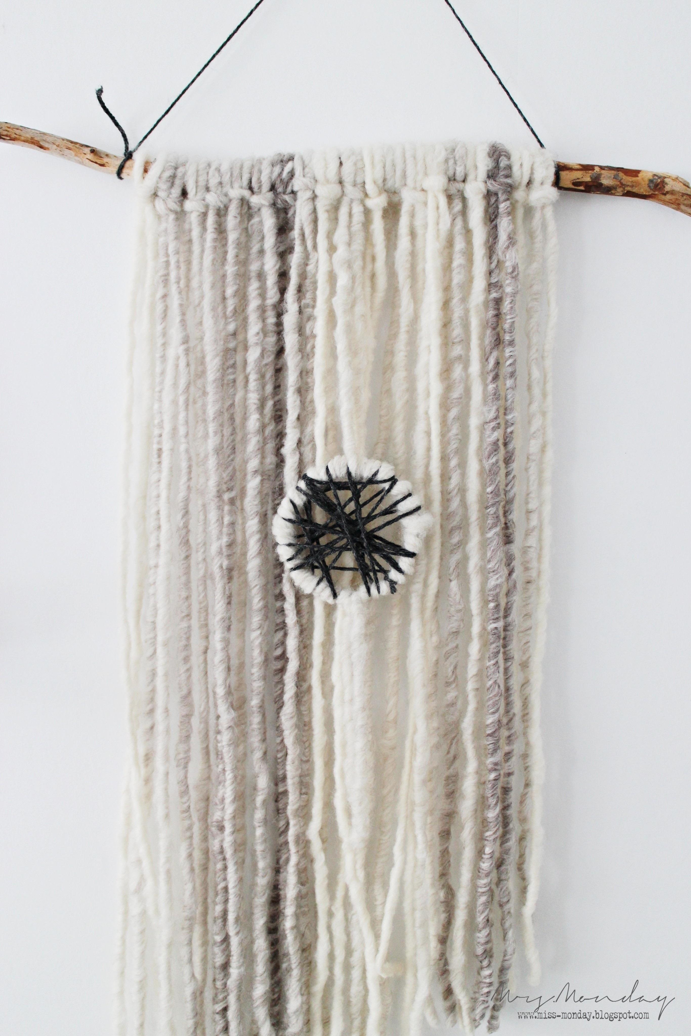 Diy Yarn Wallhanging ? How To Make A Yarn Wall Hanging ...