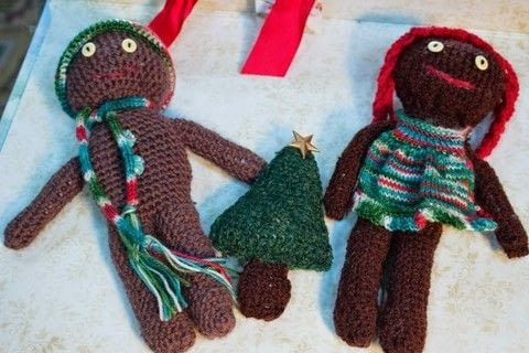 Sweet little gingerbread man to crochet   .  Free tutorial with pictures on how to make a gingerbread man plushie in 13 steps by embroidering, crocheting, and knitting with yarn, crochet hook, and yarn. Inspired by christmas and gingerbread. How To posted by Donna T.  in the Yarncraft section Difficulty: 3/5. Cost: No cost.