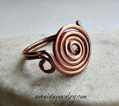 How to Make a Spiral Wire Ring .  Free tutorial with pictures on how to make a wire swirl ring in under 60 minutes by jewelrymaking and wireworking with wire, mandrel, and mallet. How To posted by zoraida.bros.  in the Jewelry section Difficulty: 4/5. Cost: No cost. Steps: 14