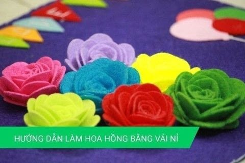 Making Rose Crafts With Polar Fleece Fabric .  Free tutorial with pictures on how to make a flower press in under 60 minutes using polar fleece, scissors, and glue gun. Inspired by crafts and flowers. How To posted by Vinacraft.  in the Needlework section Difficulty: Simple. Cost: 3/5. Steps: 1