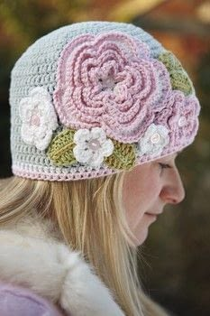Ruby and Custard's Crochet .  Free tutorial with pictures on how to make a beanie in 7 steps by crocheting with yarn, crochet hook, and crochet hook. Inspired by flowers. How To posted by Penguin.  in the Yarncraft section Difficulty: Simple. Cost: 3/5.