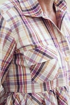 Tips on sewing buttonholes .  Free tutorial with pictures on how to sew a buttonhole in under 25 minutes by machine sewing with sewing machine, thread, and buttonhole foot. How To posted by Annie M.  in the Sewing section Difficulty: Easy. Cost: No cost. Steps: 10