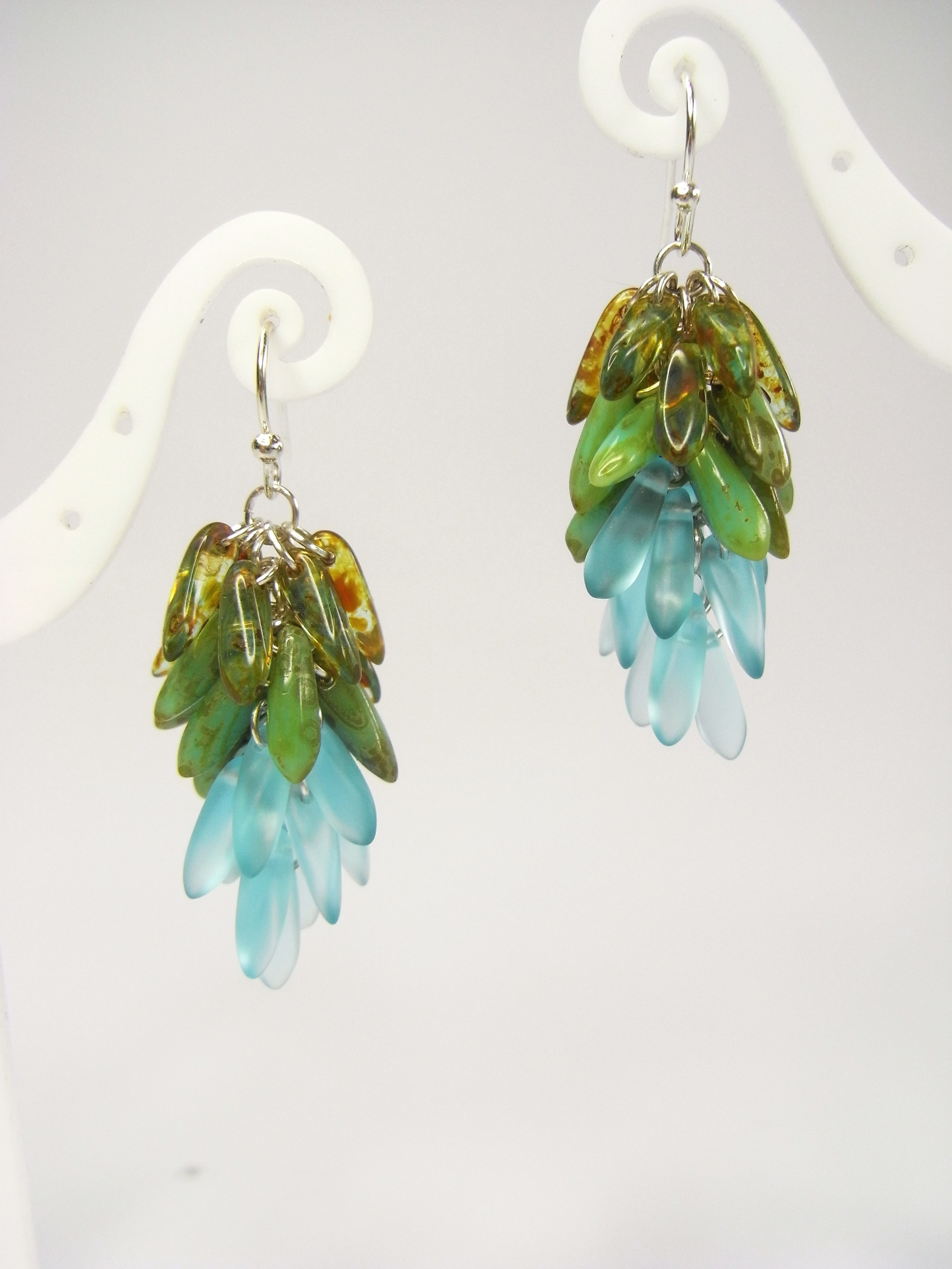 Dangling Cer Earrings Next Prev Using Just One Simple Technique Opening And Closing Jump Rings You Can Create This
